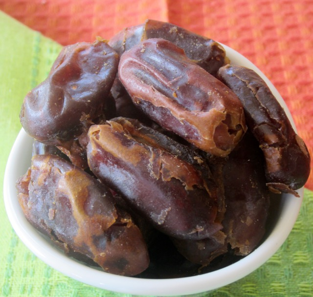 Semi-Dried Dates myfavouritepastime.com